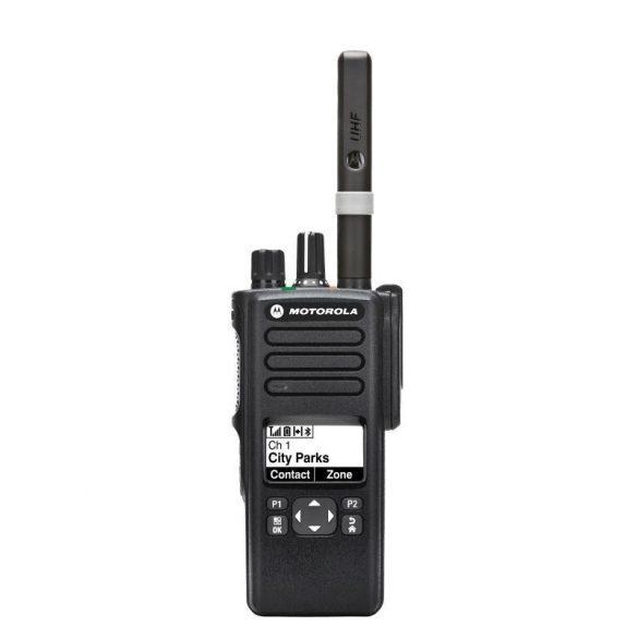 Motorola DP4601E digitális kézi adóvevő