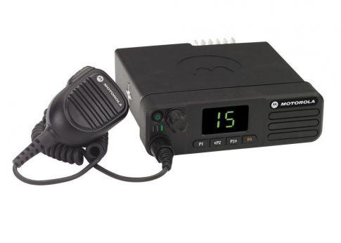 Motorola DM4401E digitális mobil rádió