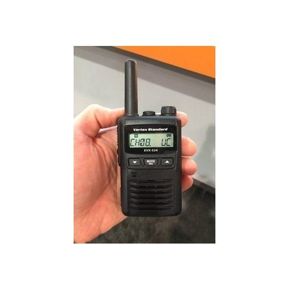 Motorola EVX-S24 digitális kézi adóvevő